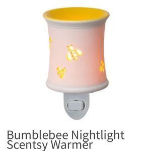 Scentsy Bumblebee Nightlight Plug-in Warmer Bar